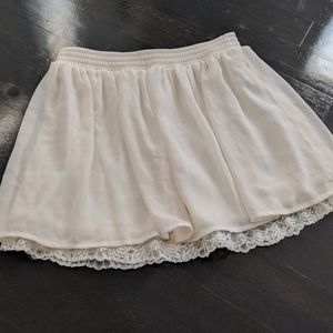 🦢Cute mini skirt with lace